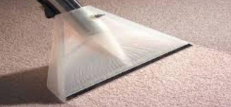 طريقة تنظيف الموكيت بالبخار